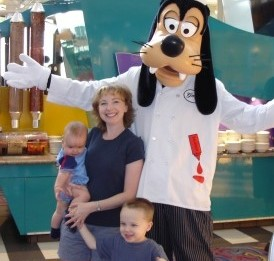 Disney World Chef Mickeys Goofy