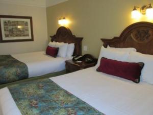 Disney World Saratoga Springs Bedroom