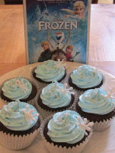 Disney Frozen Cupcakes and Movie