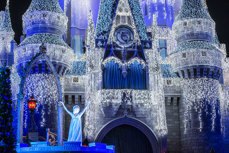 Walt disney world sparkles with holiday season magic throughout the frozen holiday wish voltagebd Images