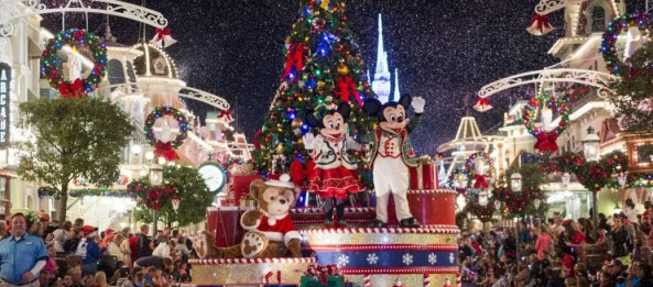 christmas - When Does Disney Decorate For Christmas 2018