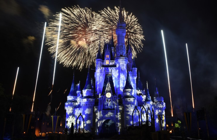 Walt disney world 4 park magic ticket disney world enthusiast just in time for the holidays walt disney world is offering an incredible discounted ticket heres everything you need to know about this limited time publicscrutiny Image collections