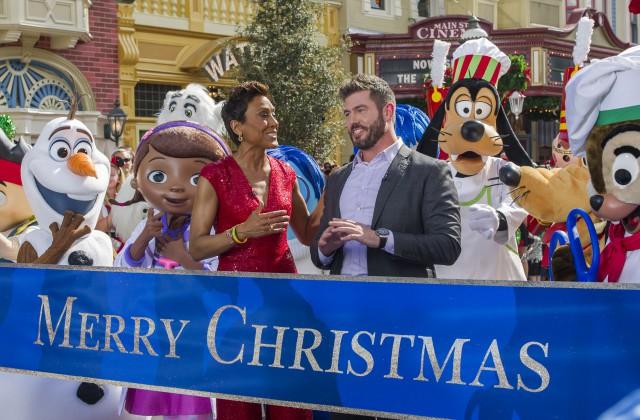 Disney Parks Christmas Day Parade | Disney World Enthusiast