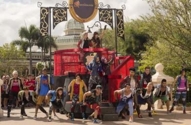 Disney Parks Unforgettable Christmas 3