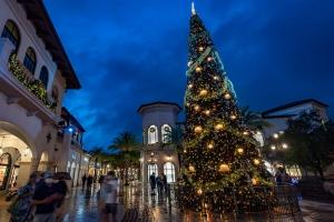 Holiday Disney Springs